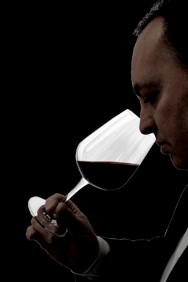 La selezione senza compromessi è la scelta irrinunciabile che ci consente di proporre vini che sono l'espressione del vitigno, del terroir e della filosofia del produttore: è questo il nostro concetto di vino di qualità